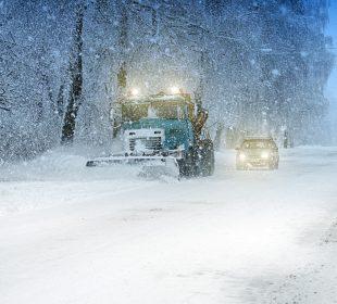 snow plow doing