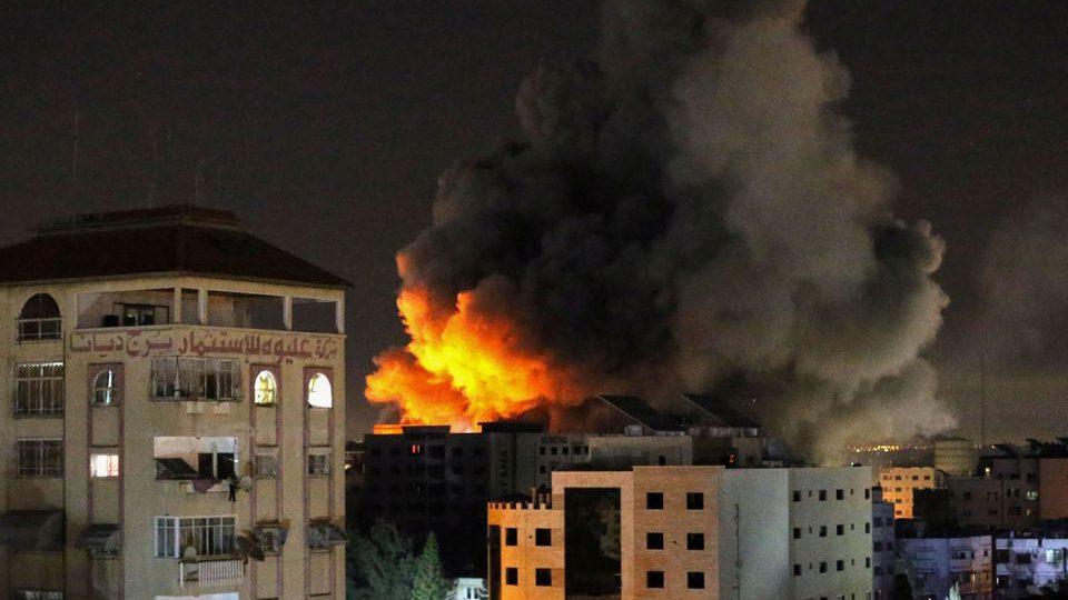 Дим в Газа
